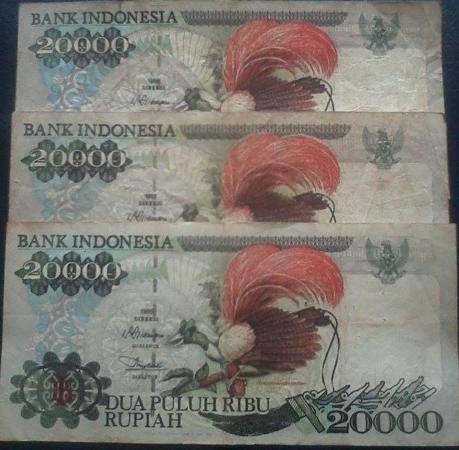Lama rupiah 20000 uang