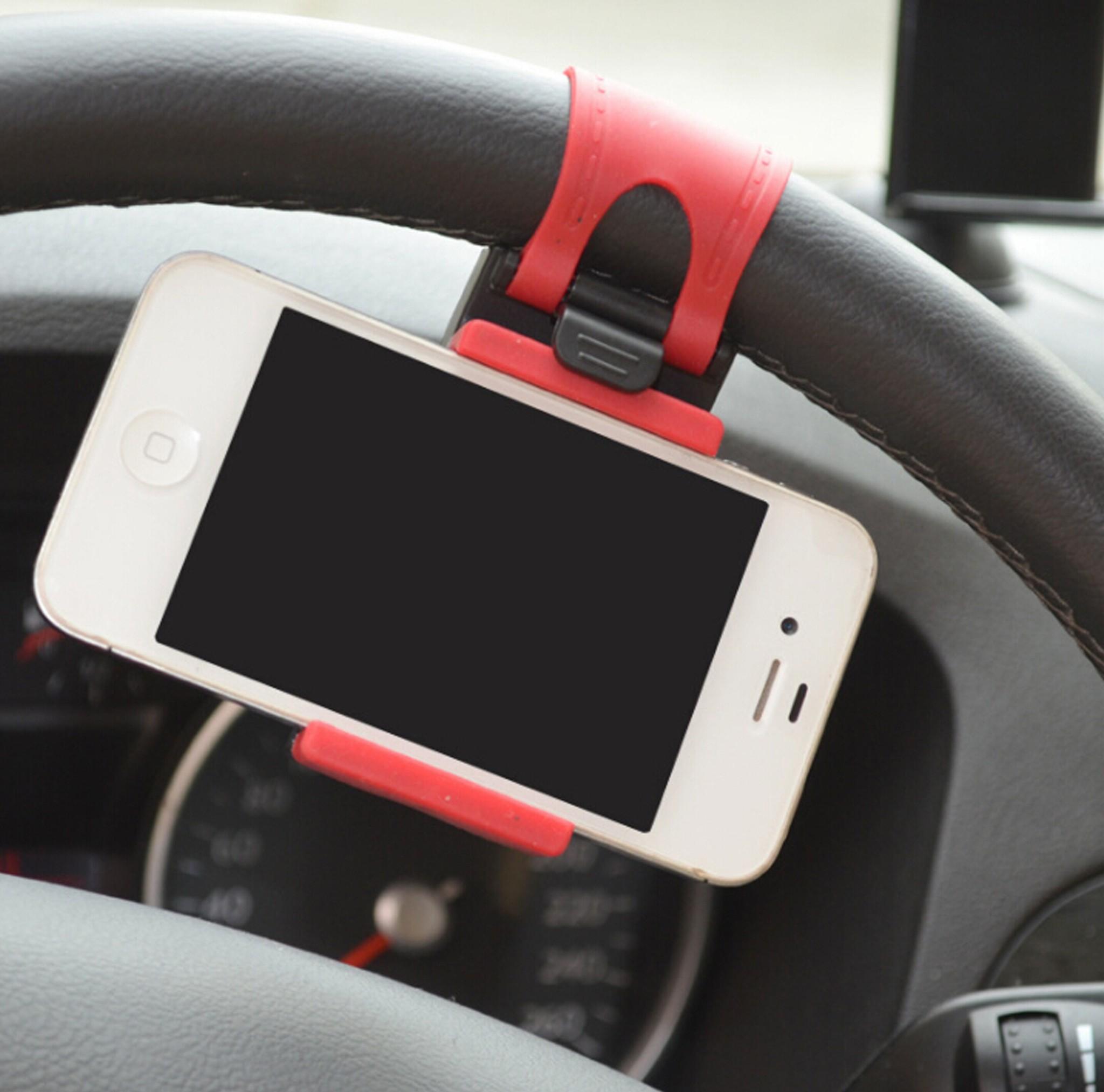 Как закрепить смартфон в автомобиле