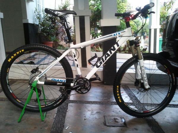 Jual Sepeda MTB Giant ATX Pro Full Upgrade,Mantap
