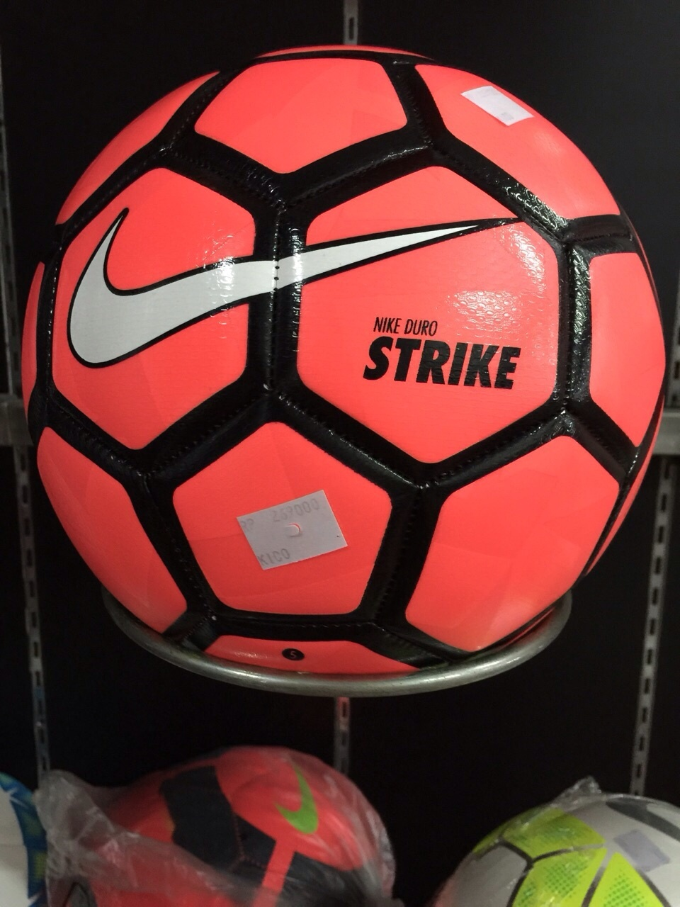 Bola Futsal Nike. Source · 186459 7c72fd5b-7bea-49a2-9ced-38170335a3bd.jpg 8977072e3ff29