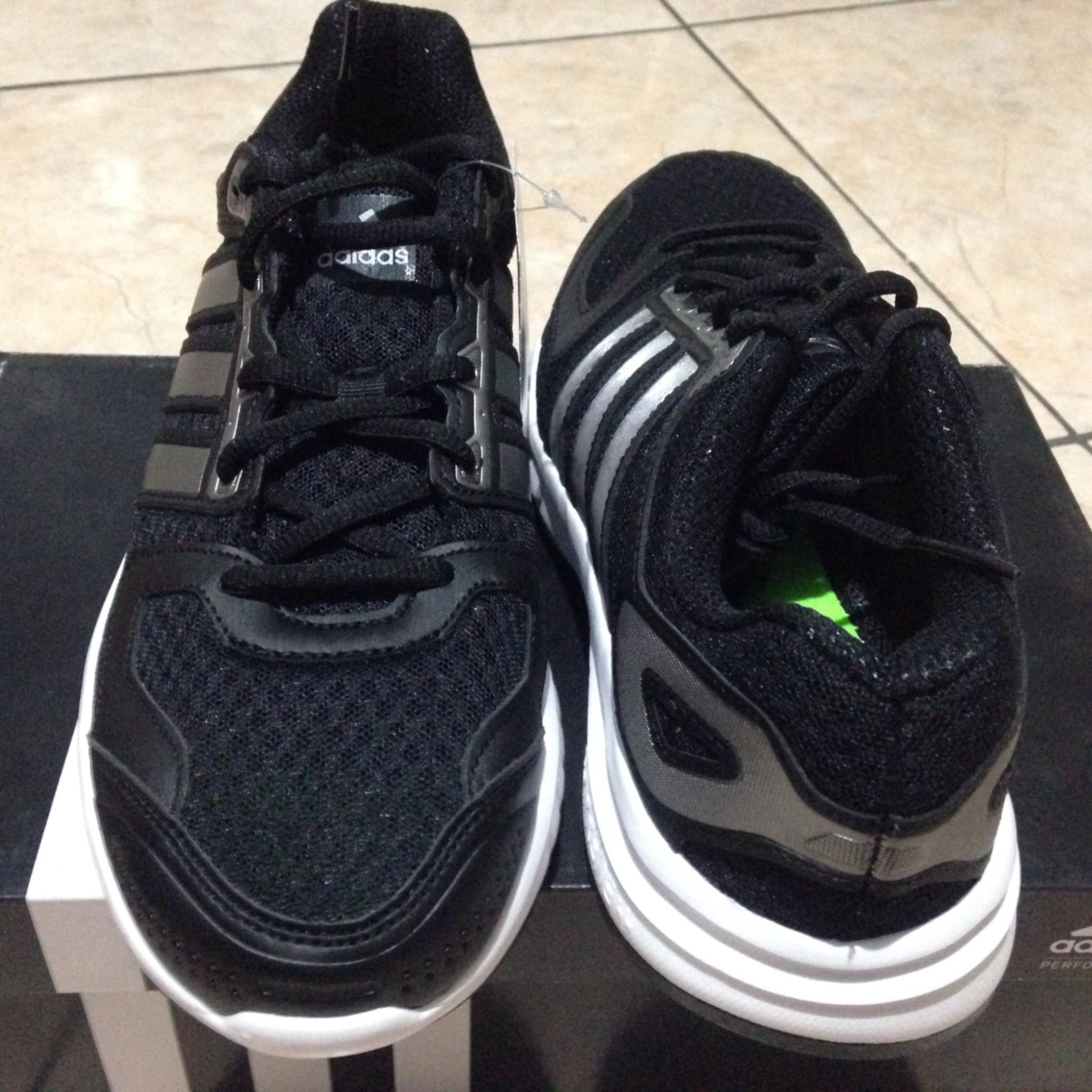 the best attitude e13e8 f90b8 Adidas running hitam -