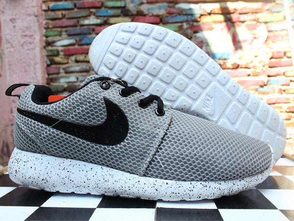 Jual Sepatu Running Sepatu olahraga Nike Roshe Run Galaxy Abu ... 894fd059b3