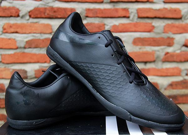 Jual Sepatu Futsal Nike Hypervenom Full Black - WOW! Grosir ... 10e3999bc7