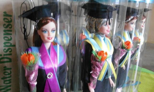 Barbie Wisuda Hijab dan Sanggul