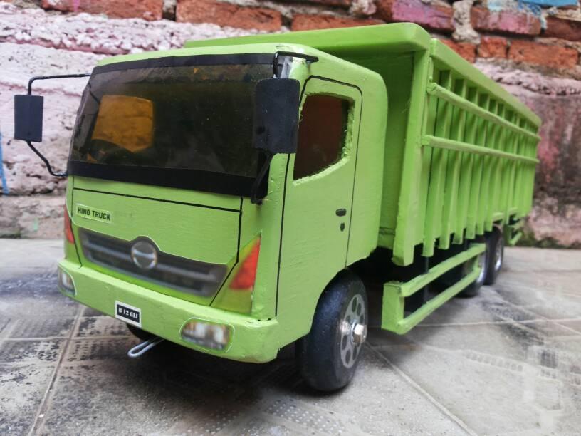 Jual Mobilan Kayu Diecast Mobil Truk Hino Mainan Anak Miniatur