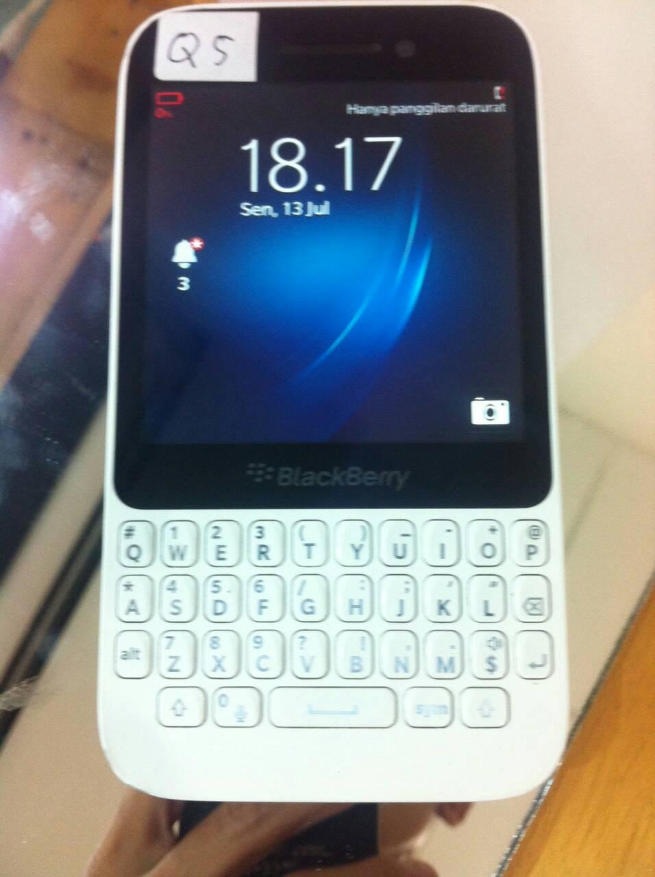 Blackberry Q5 WHITE mulus