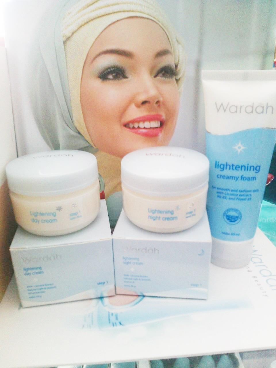 Jual Wardah Lightening Series Step 2 Paket Hemat Store Creamy Foam Tokopedia