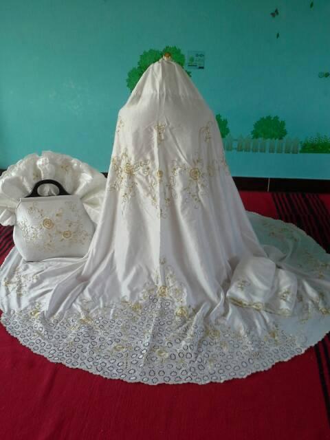 harga Mukena Sutra Thailand Dove Mawar Gold cantik Mewah set Sajadah Tokopedia.com