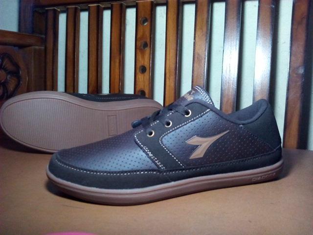 DIADORA SABATO brown sepatu casual sneakers Original