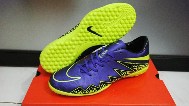 Nike futsal shoes hypervenom