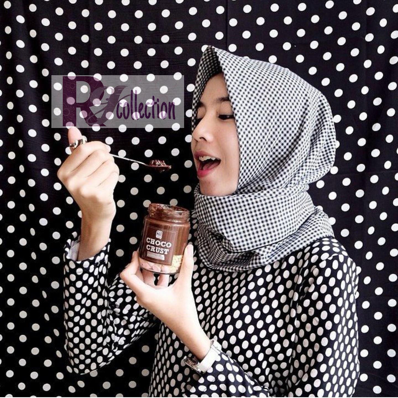 pashmina kerudung hijab motip kotak kotak hitam putih
