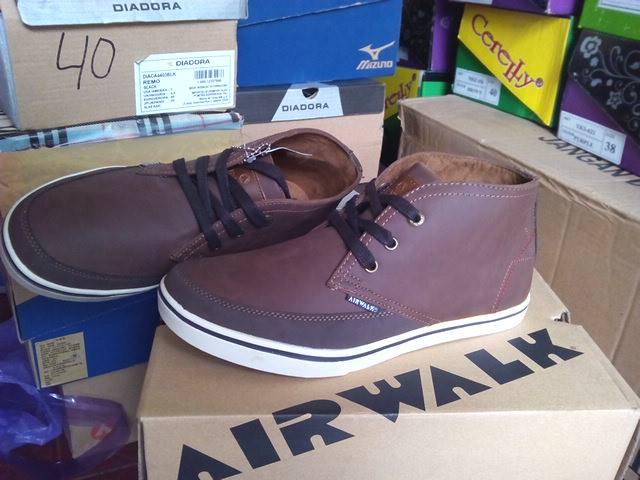 Sepatu casual original AIRWALK FINN dark brown