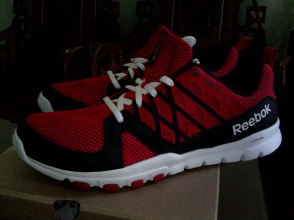 Jual Sepatu Reebok Sepatu Running Sepatu Olahraga Pria Baru ... 1381b94960