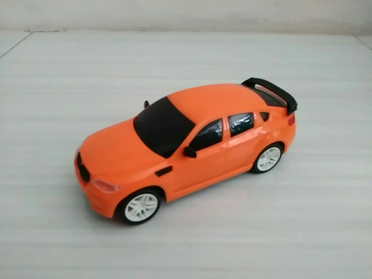 harga RC REMOTE CONTROL MOBIL MODEL SEDAN BMW SKALA 1:24 (ORANGE) Tokopedia.com