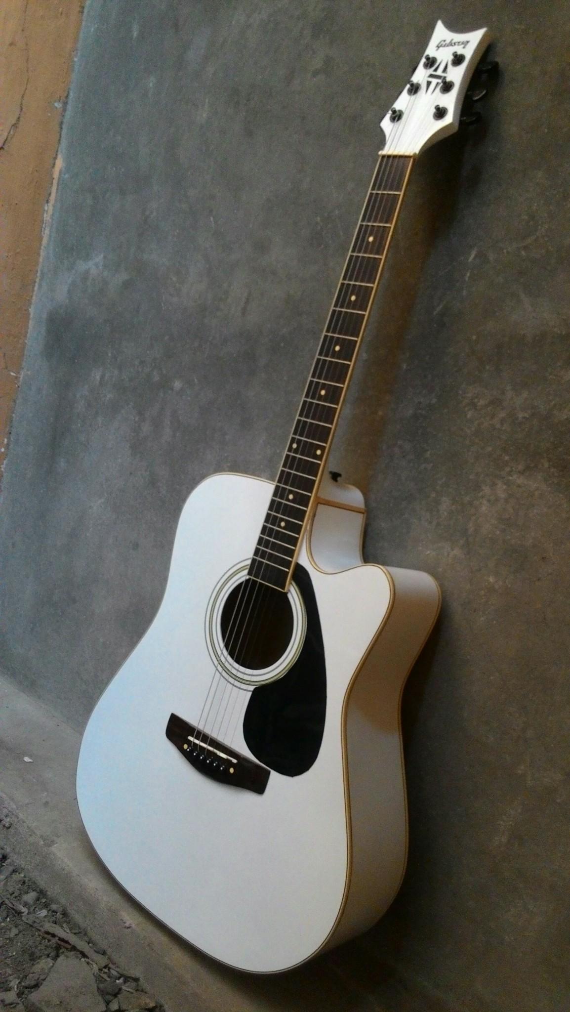 Jual Gitar Akustik Jumbo White Gibson Super Exclusive
