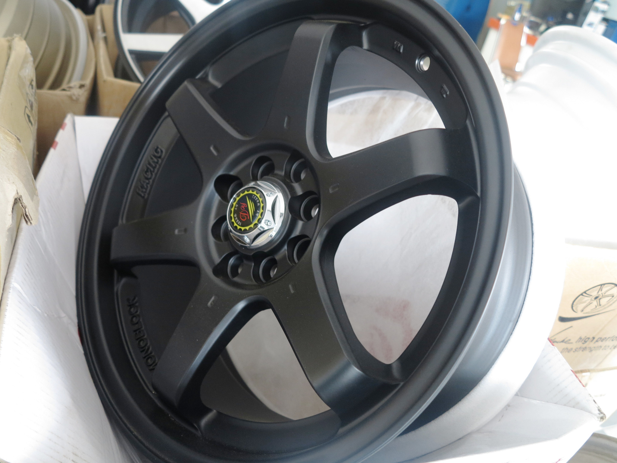Velg R17 Matt Black