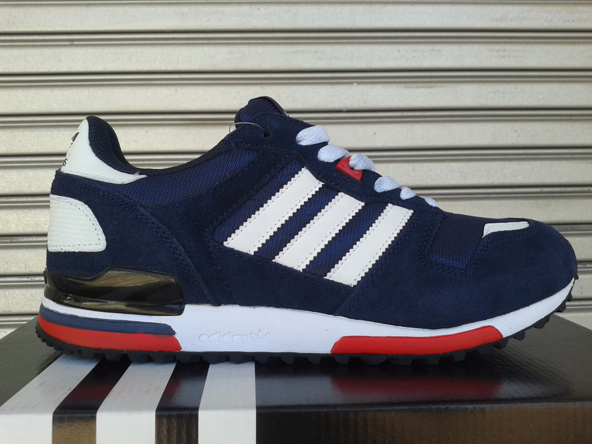 f86428e29 where can i buy jual adidas zx 700 f36ea f22b4