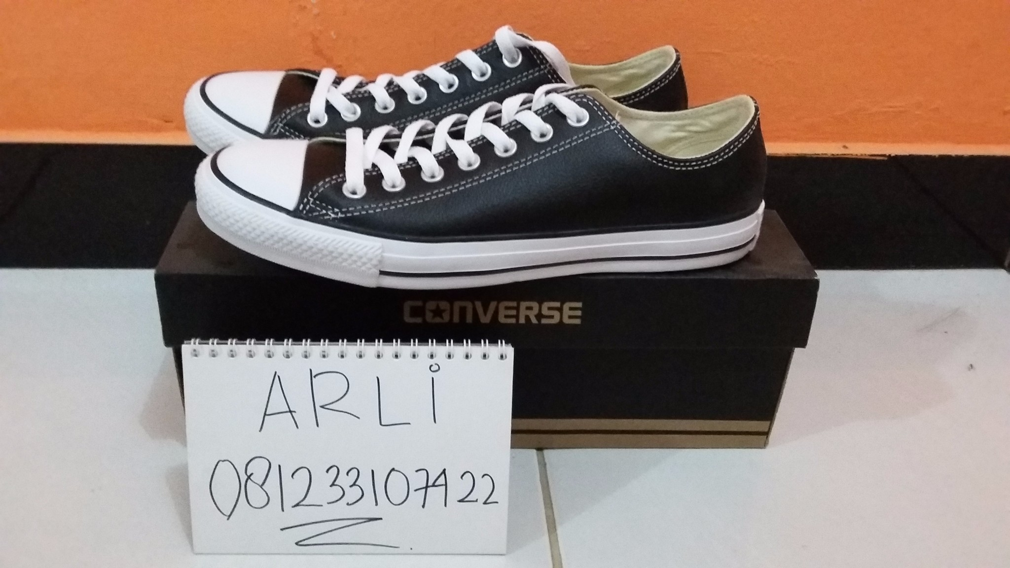 harga CONVERSE CHUCK TAYLOR OX BLACK LEATHER Tokopedia.com