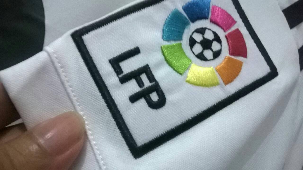 Hasil gambar untuk patch pada jersey adalah