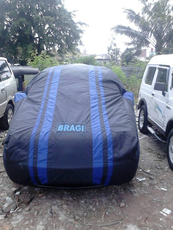 cover mobil ukuran sedan jazz,yaris,altis,brio,dll+logo