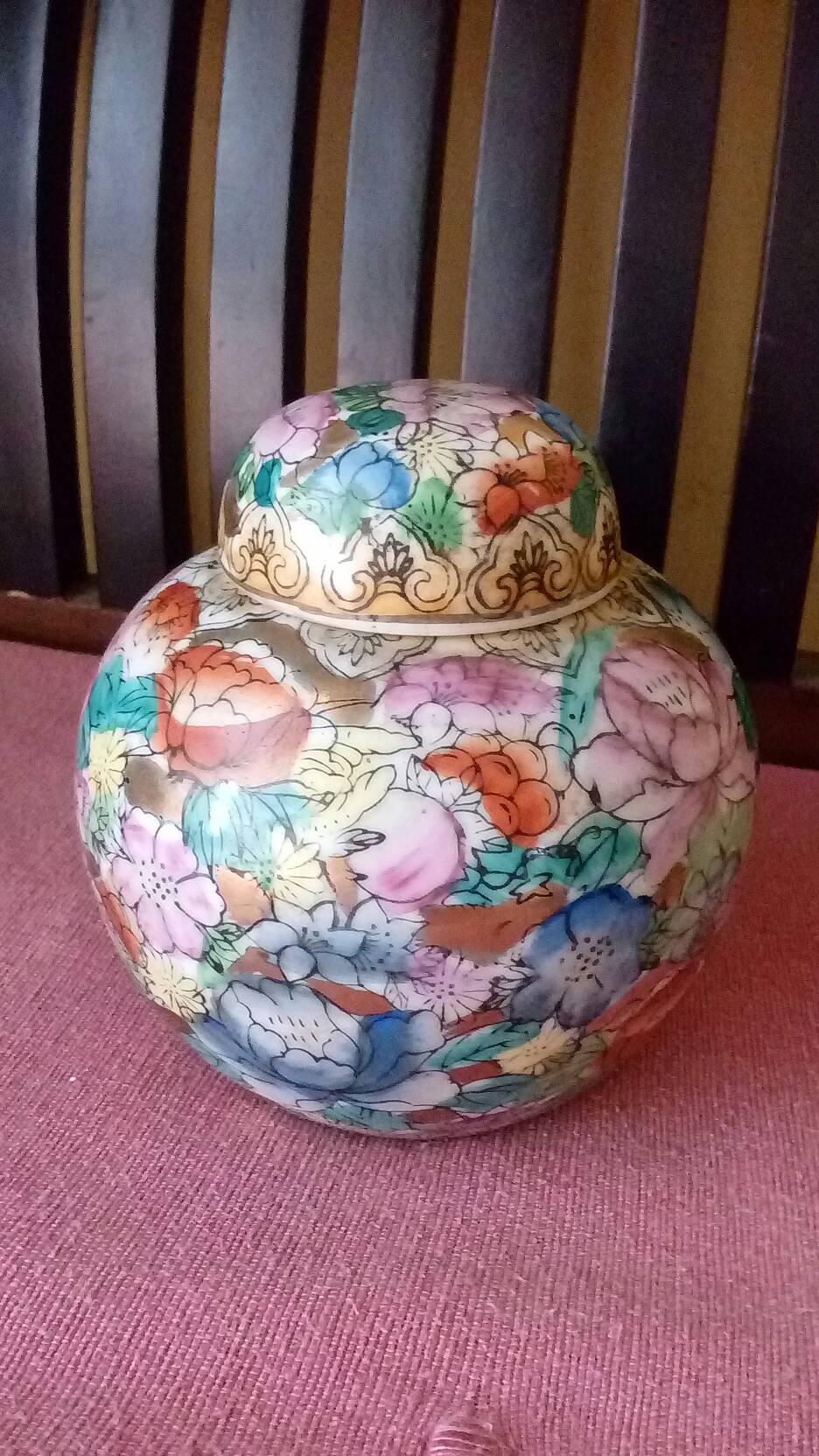Guci Keramik Kecil Antik