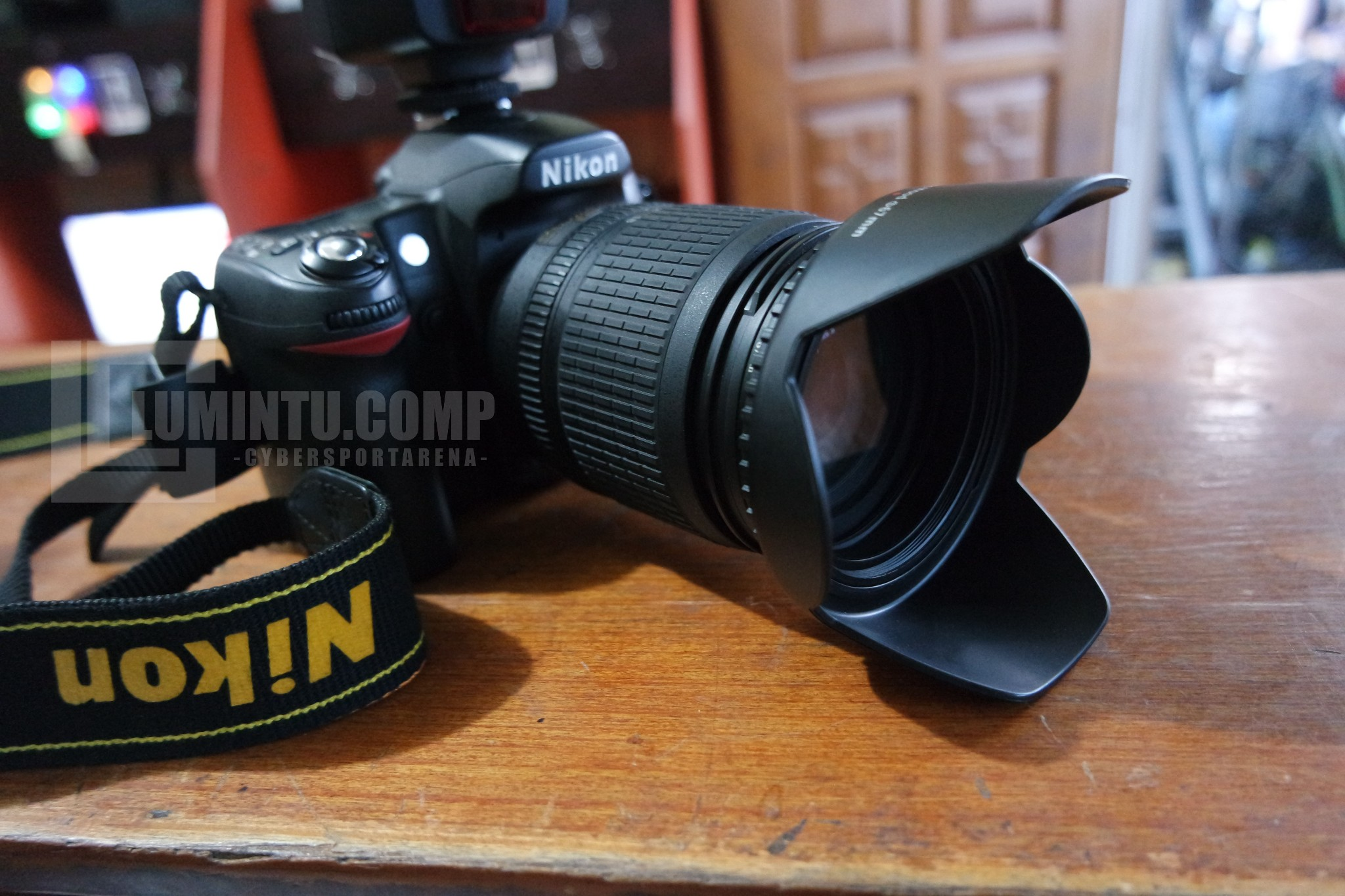 Nikon D80 + Lensa 18-105 dan fix 50mm f1.8D Istimewaa..