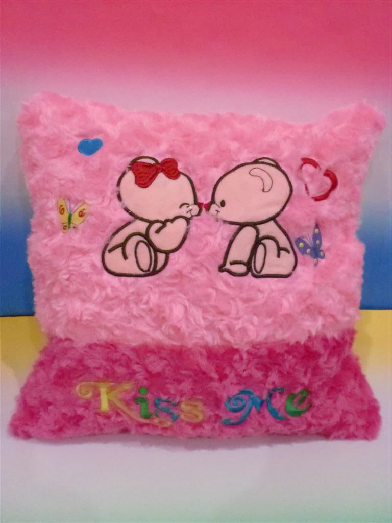 harga Bantal Love - Bear Kiss Me Pink Tokopedia.com