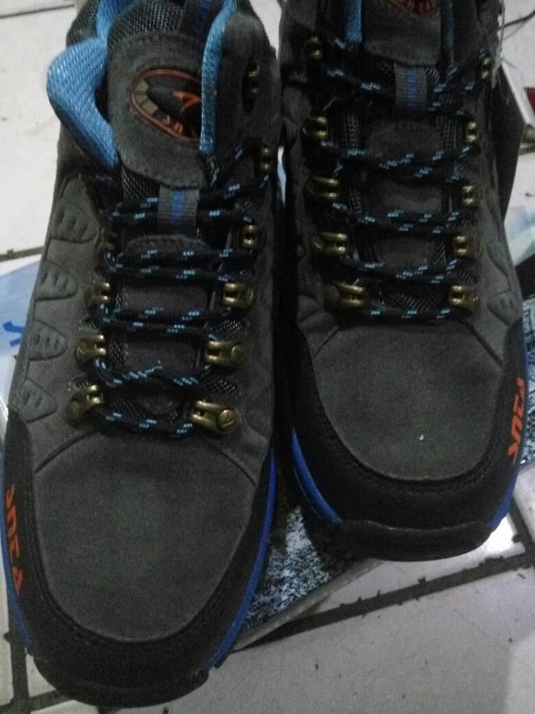 harga Sepatu boot hiking gunung pria,SNTA 470B Tokopedia.com