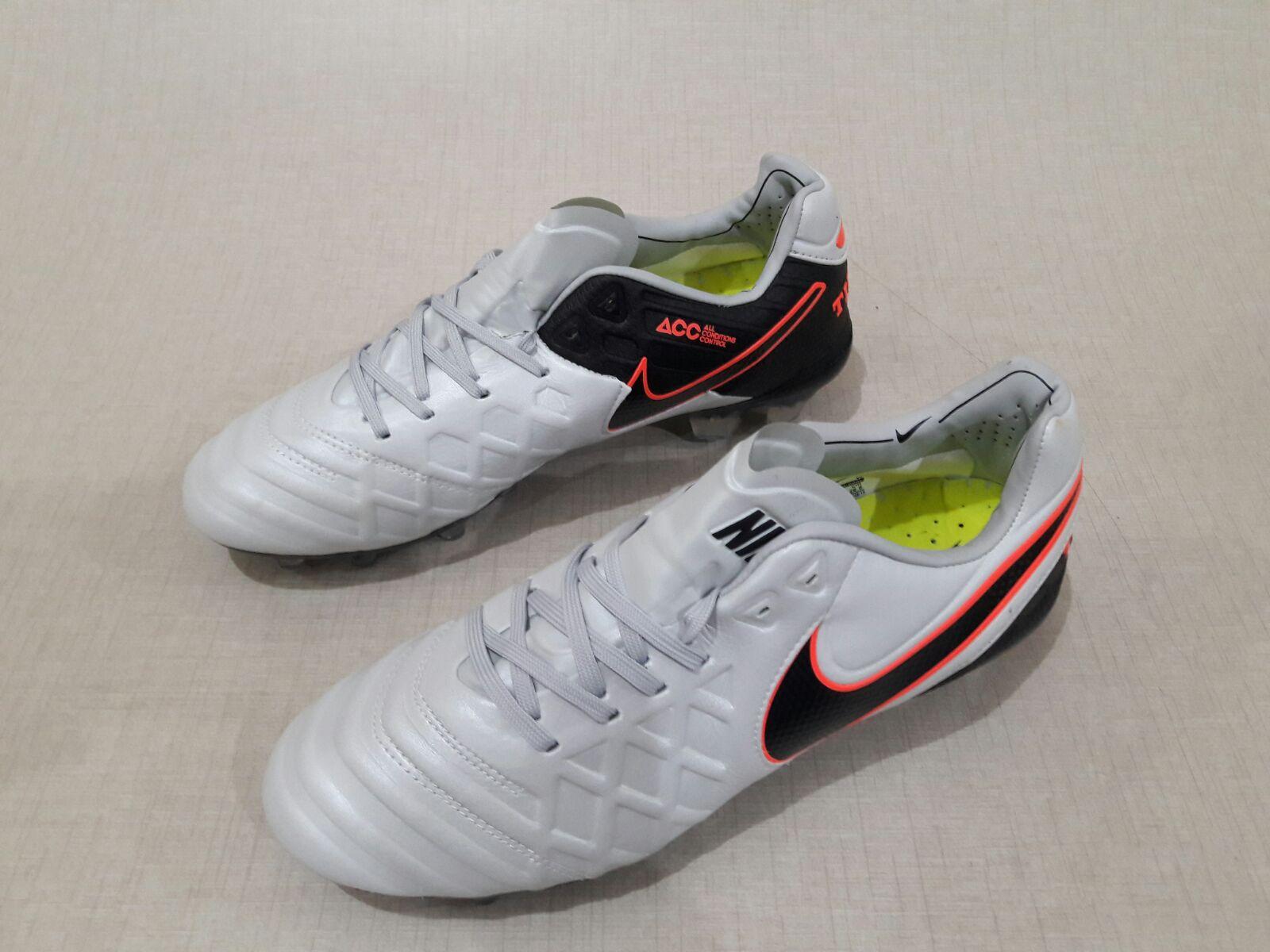 wholesale dealer 131fd e5423 ... coupon for harga sepatu bola nike tiempo legend original 1b481 c8e2c ...