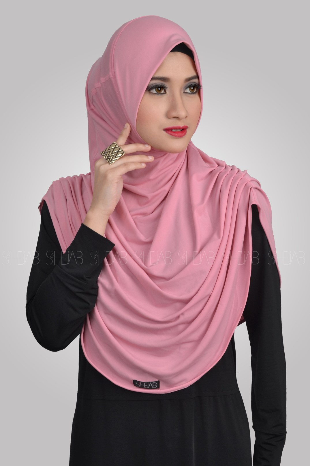 Jilbab Halus Lembut Variasi Kerutan / Syria Revina Hijab Syari Simpel