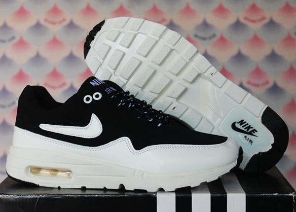 Sepatu Olahraga Nike Putih Wanita Pria Replika Daftar Harga Source WANITA  CASUAL SPORT . 3a111fc6d9