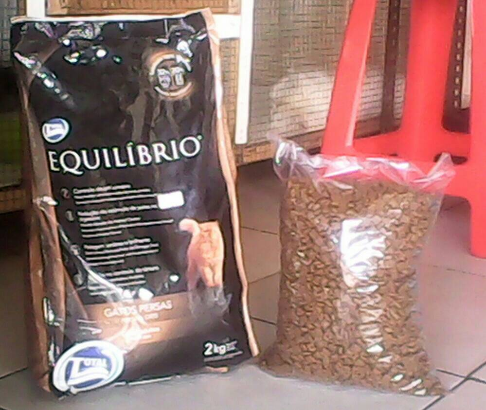 Jual Cat Food Equilibrio Persian Repack 1kg Segitu