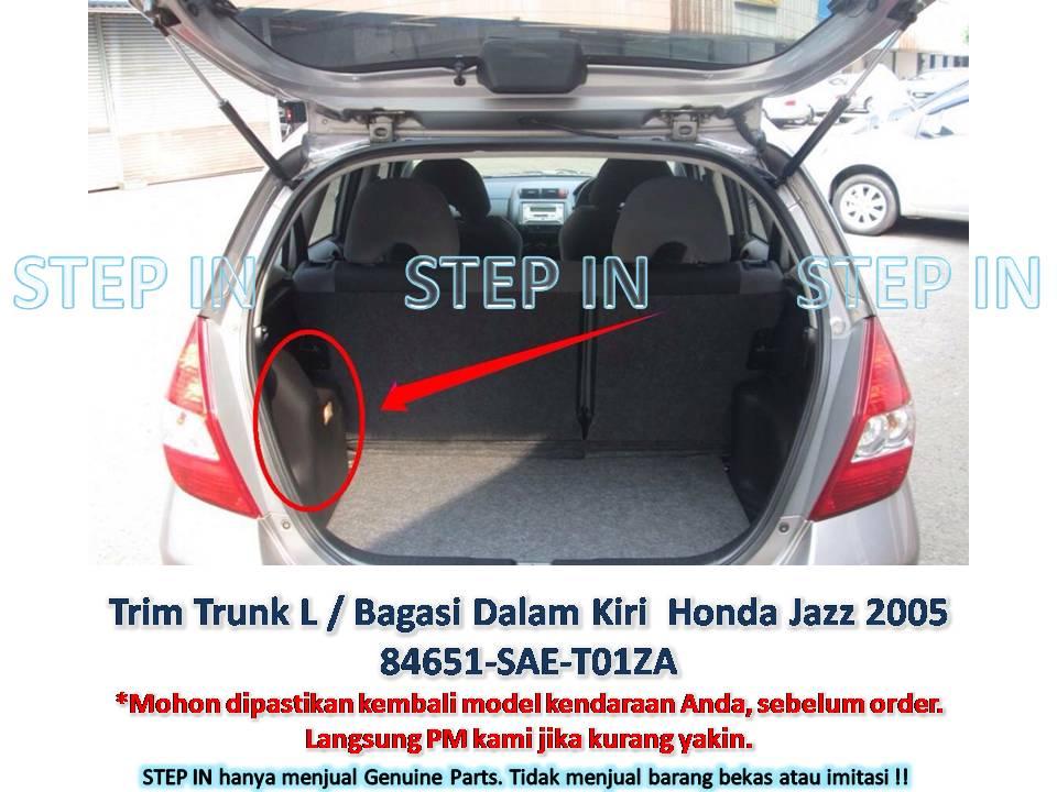 Trim Bagasi Dalam Kiri / Inner Trunk L Honda Jazz 2005 genuine baru