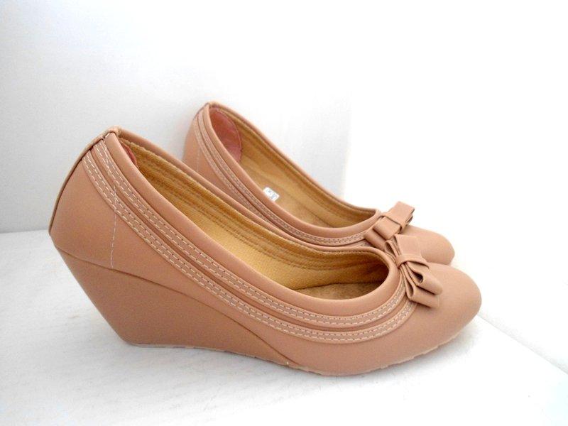Sepatu Wanita Wedges RS 02 Mocca
