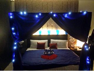 Jual dekor kamar ultah ayangpramudya tokopedia for Dekor kamar hotel