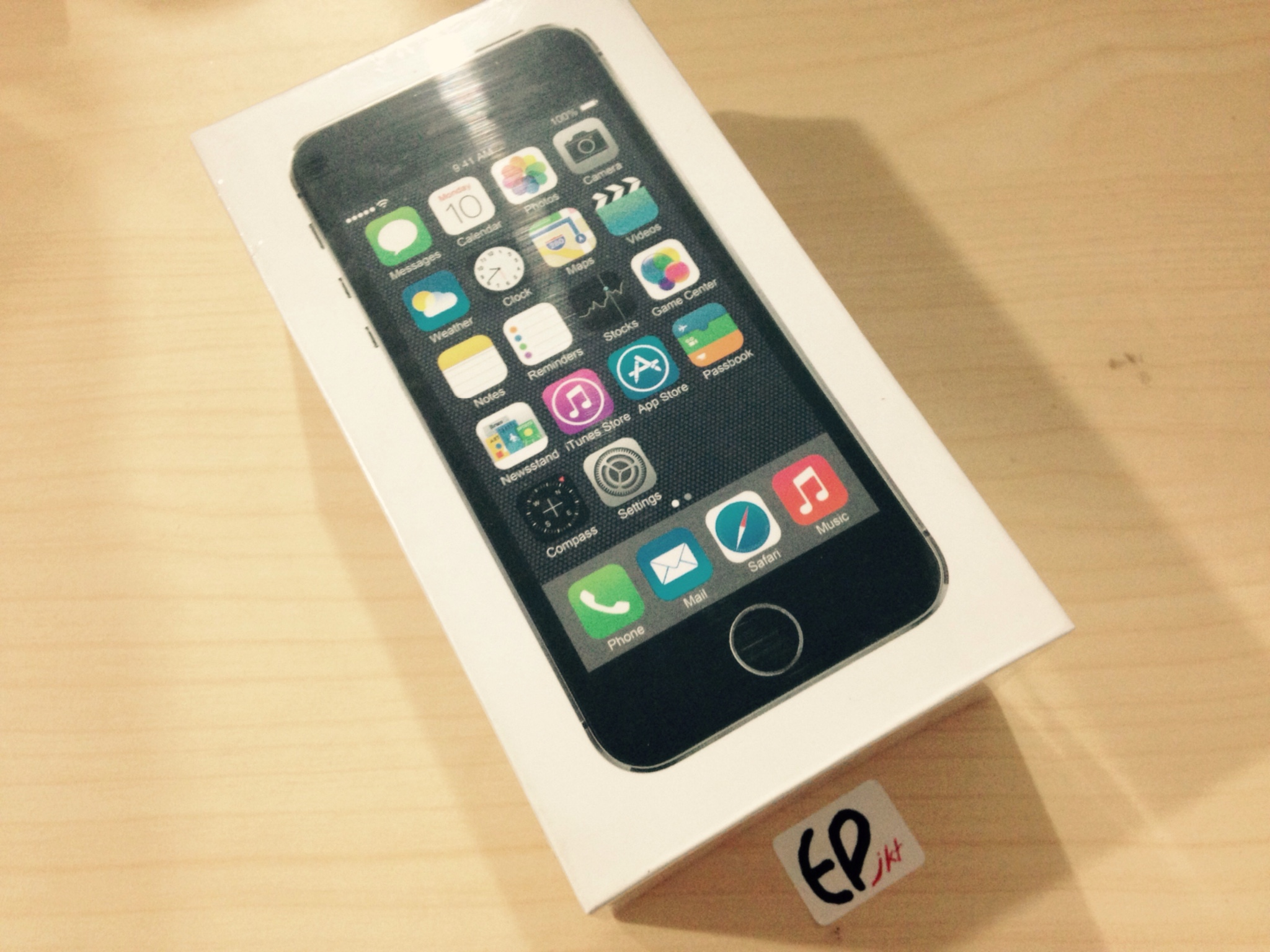 APPLE IPHONE 5S 32GB GARANSI DISTRIBUTOR…