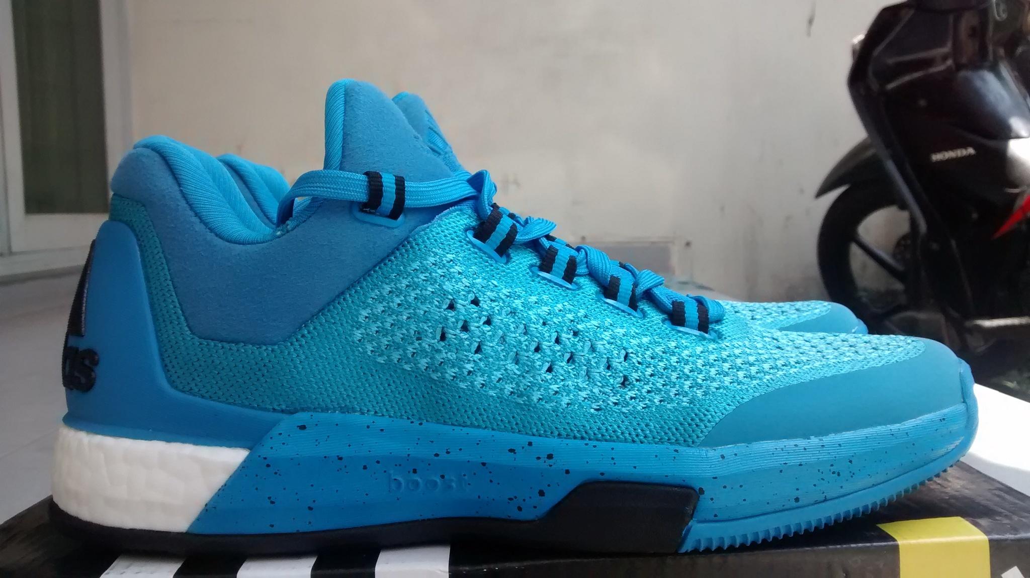 on sale b035c cd9e0 ... wholesale sepatu basket adidas crazylight boost low 2015 blue . 006dc  5cfb6