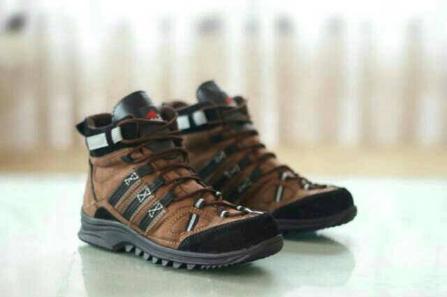 sepatu boot safety adidas obitrex gurun brown Murah