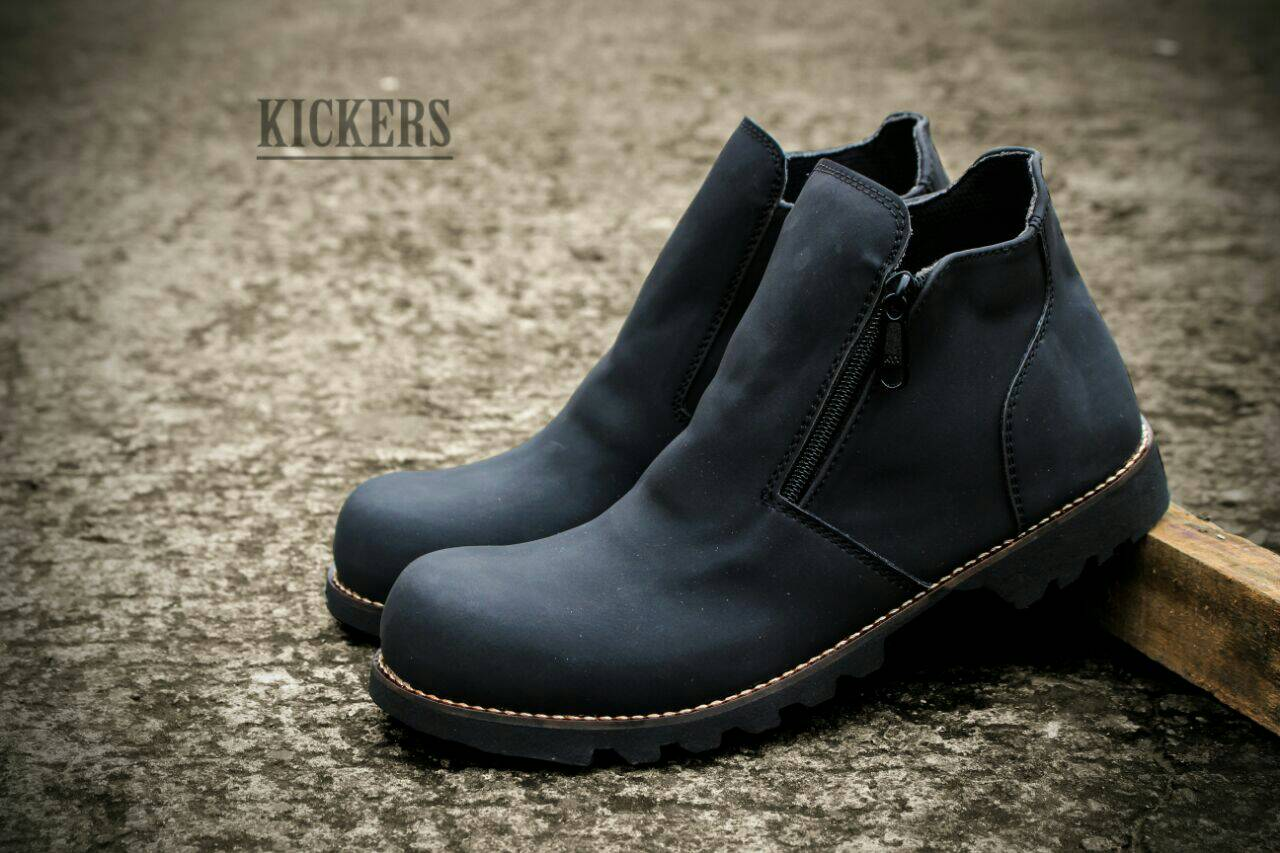 kickers sleting boot safety hitam Murah
