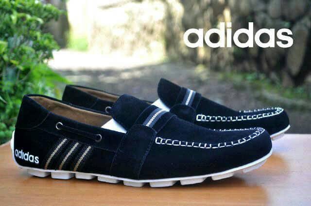 sepatu adidas slop sampanye hitam suede Murah