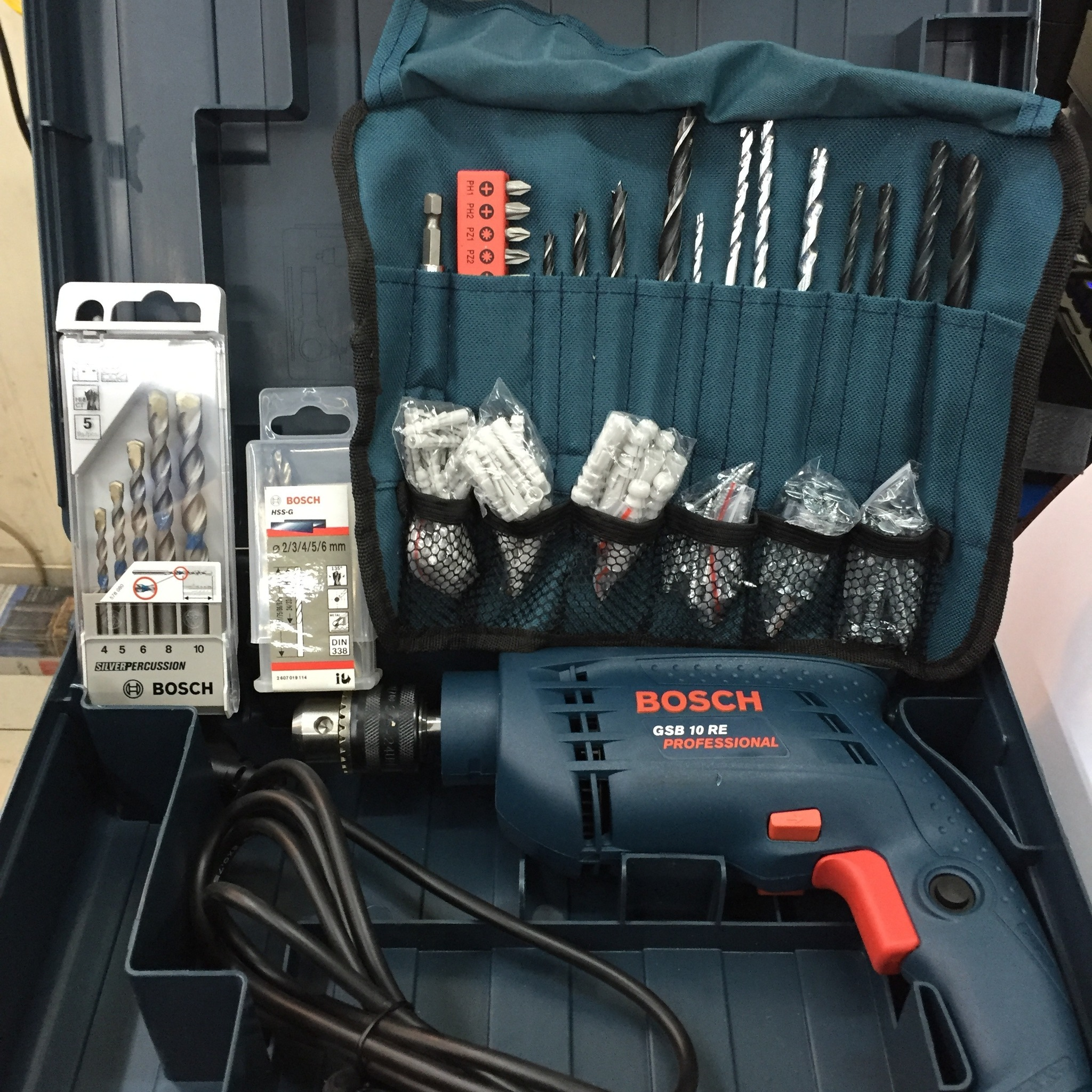 Bor Beton 10 Mm Bosch GSB 10 RE Box (Extra 100 Pcs Accessories)