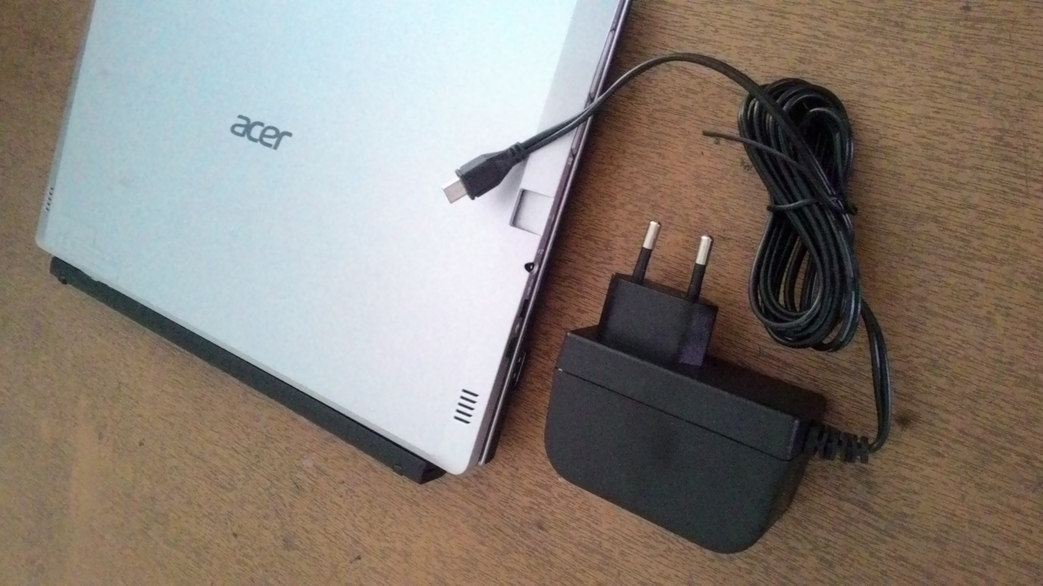 Jual Adaptor Charger Netbook Tablet Acer One 10 S100X