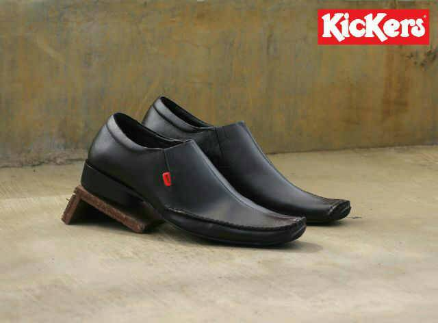 kickers swing hitam pantofel kulit