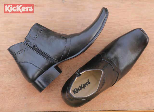 sepatu pantofel kickers zipper hitam kulit