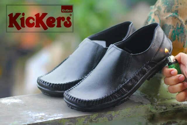sepatu kickers bezita hitam kulit