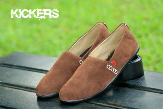 sepatu kickers slop 3 brown suede