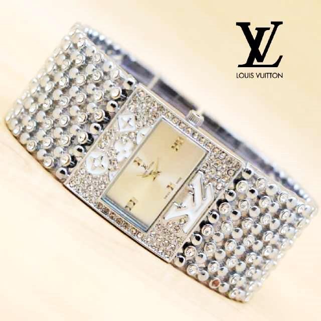 Jam Tangan Wanita Louis Vuitton 22 Semi Premium + Box Kancing