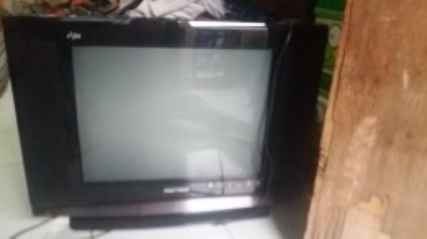 Tv Flat Polytron 21 Inch
