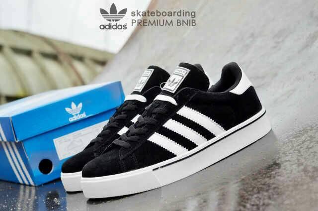 adidas skateboarding premium black white Murah