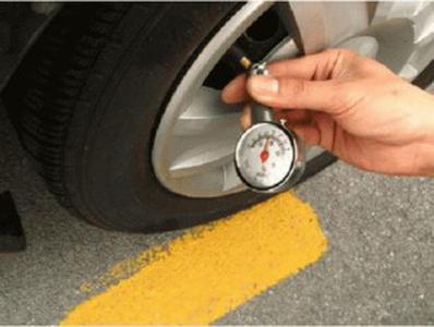 Pengukur Tekanan Ban Mobil Portabel